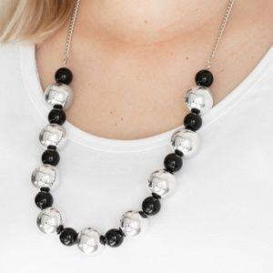 Top Pop Necklace (Black)